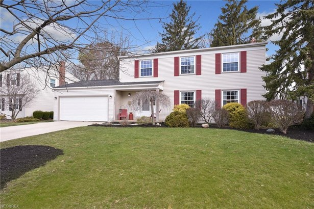 26748 Sweetbriar Dr, North Olmsted, OH - USA (photo 1)