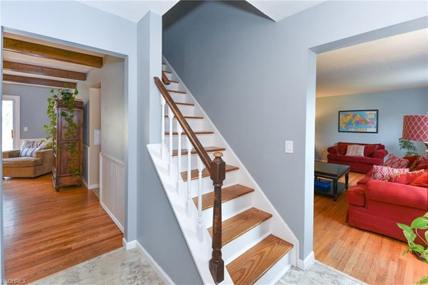 26748 Sweetbriar Dr, North Olmsted, OH - USA (photo 3)