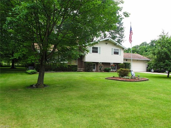 3677 Lyntz Townline Rd, Lordstown, OH - USA (photo 2)