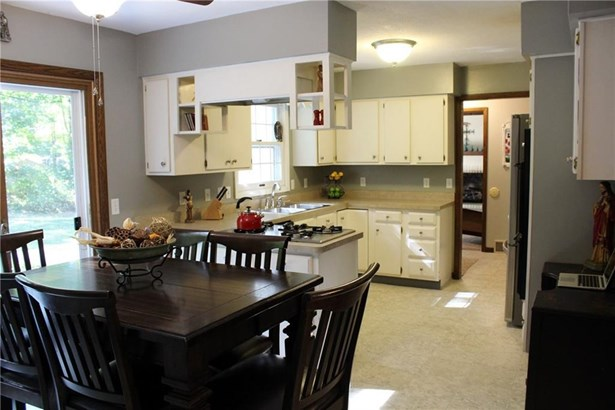 1070 Mulberry Court, Fairview, PA - USA (photo 3)