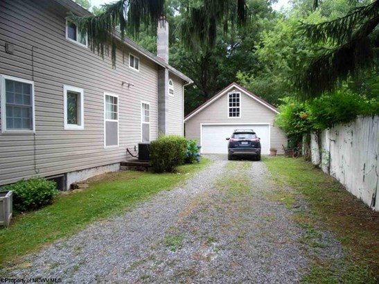 566 Bethel Church Road, Maidsville, WV - USA (photo 3)