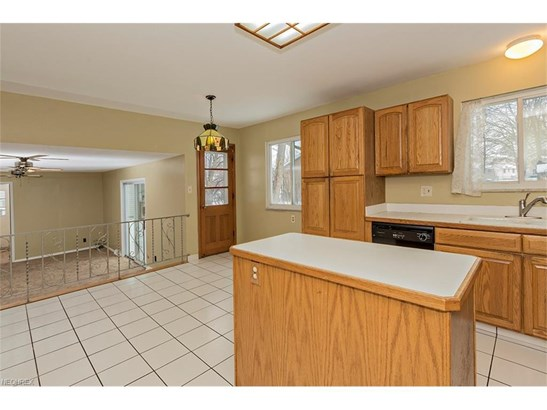 5929 Cantwell Dr, Mayfield Heights, OH - USA (photo 3)