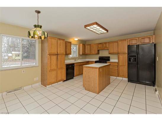 5929 Cantwell Dr, Mayfield Heights, OH - USA (photo 4)