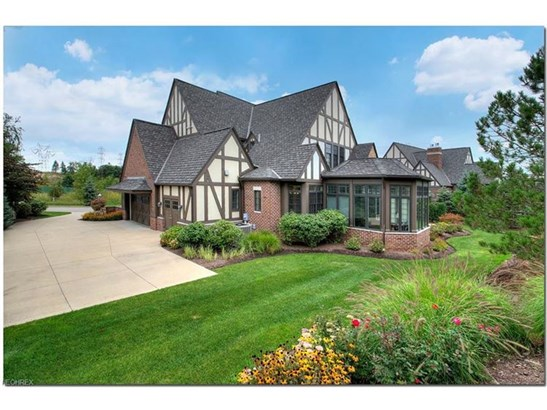 39470 Stillman Ln, Willoughby, OH - USA (photo 3)