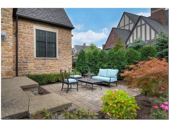39470 Stillman Ln, Willoughby, OH - USA (photo 5)