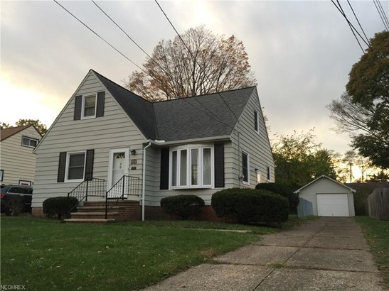5154 Lucydale Ave, North Olmsted, OH - USA (photo 1)