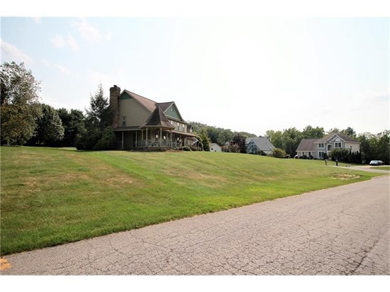 2417 Woodland Hills Dr, Castle, PA - USA (photo 2)