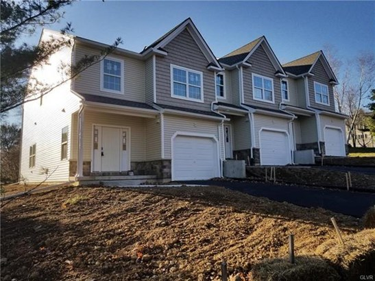 8311 Willow Run Road, Fogelsville, PA - USA (photo 1)
