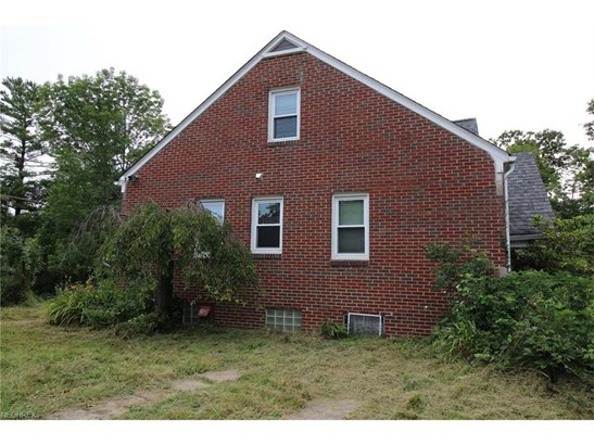 9102 Euclid Chardon Rd, Kirtland, OH - USA (photo 2)