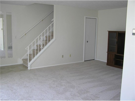 31 Firebush Ln, Northfield Center, OH - USA (photo 4)