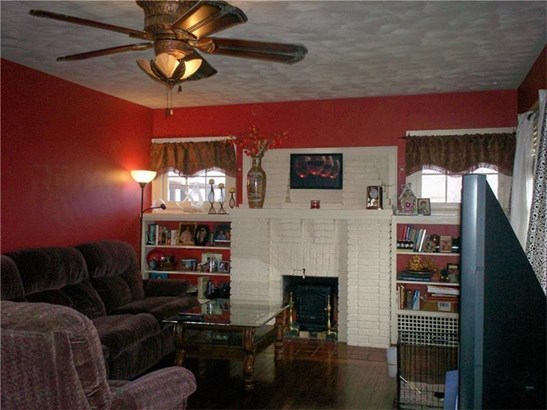 205 E Hazelcroft, New Castle, PA - USA (photo 4)