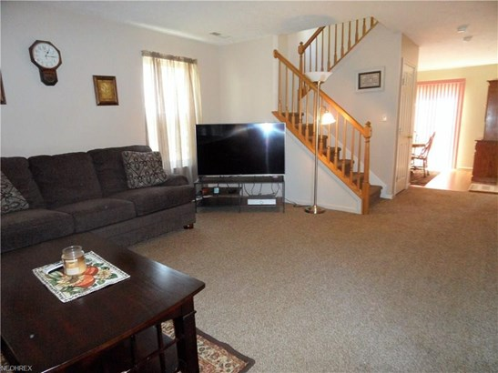 15791 Lakeview Ter, Middleburg Heights, OH - USA (photo 5)