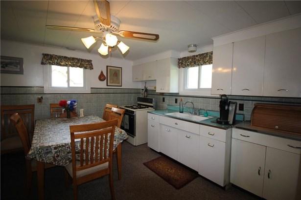 1381 Lakeview Drive, Espyville, PA - USA (photo 4)