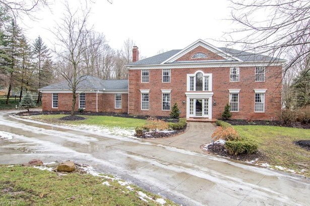 1356 Foxchase Dr, Akron, OH - USA (photo 1)