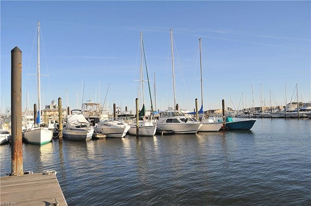9620 Dolphin Rn, Norfolk, VA - USA (photo 1)