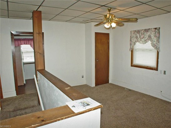 1317 Pleasant Ave, Wellsburg, WV - USA (photo 4)