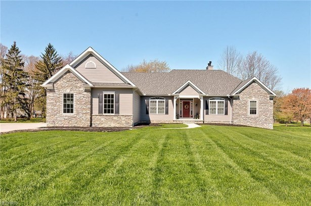 2532 Maple Hill, Willoughby Hills, OH - USA (photo 1)