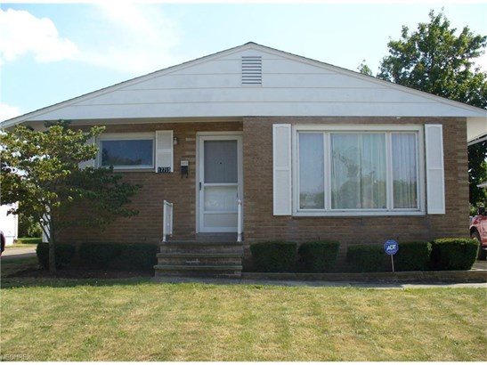 17715 Chatfield Ave, Cleveland, OH - USA (photo 1)