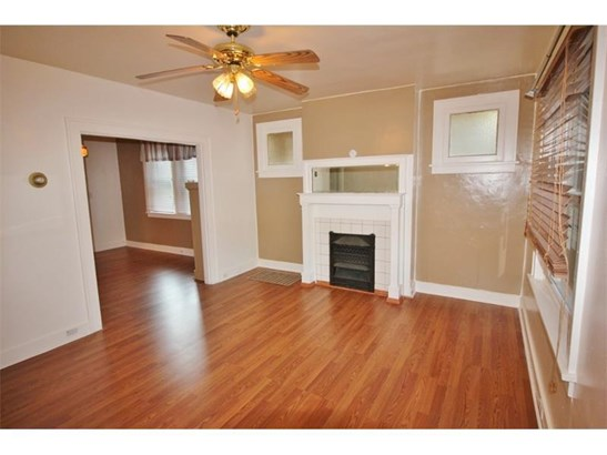 2818-2820 Clermont Ave, Brentwood, PA - USA (photo 4)