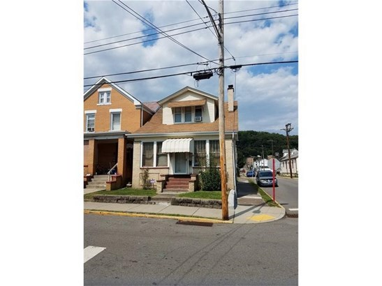 900 Russellwood Ave, Mckees Rocks, PA - USA (photo 1)