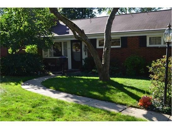 206 W Bruceton Rd, Pleasant Hills, PA - USA (photo 1)