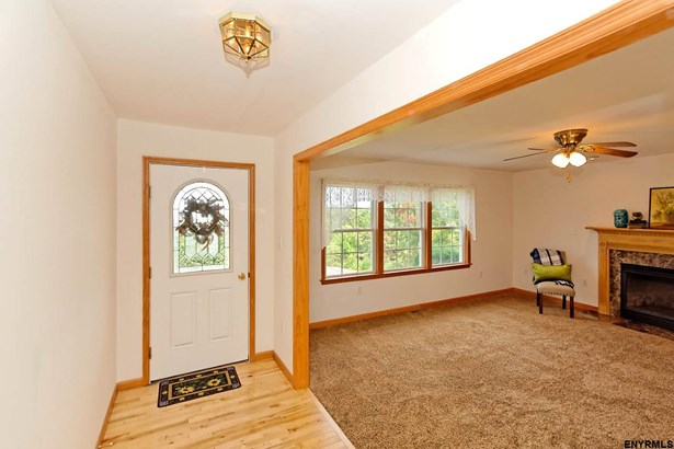 20 Requate Rd, Valley Falls, NY - USA (photo 4)