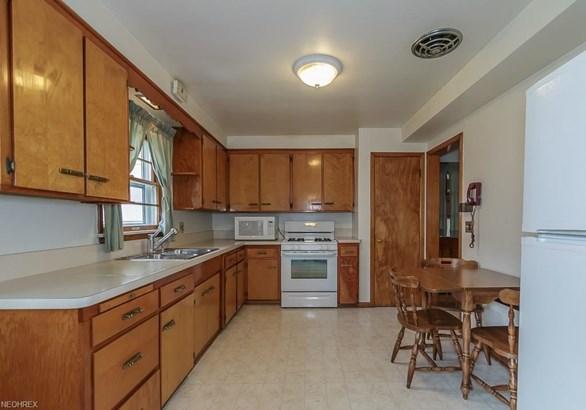 4949 Geraldine Rd, Richmond Heights, OH - USA (photo 4)