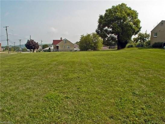 3645a Pennsylvania Ave, Weirton, WV - USA (photo 2)