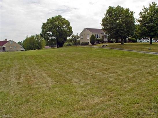 3645a Pennsylvania Ave, Weirton, WV - USA (photo 4)
