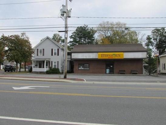 103-105 Saratoga Avenue, Glens Falls, NY - USA (photo 3)