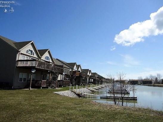 8926 W Canada Goose Court, Oak Harbor, OH - USA (photo 1)