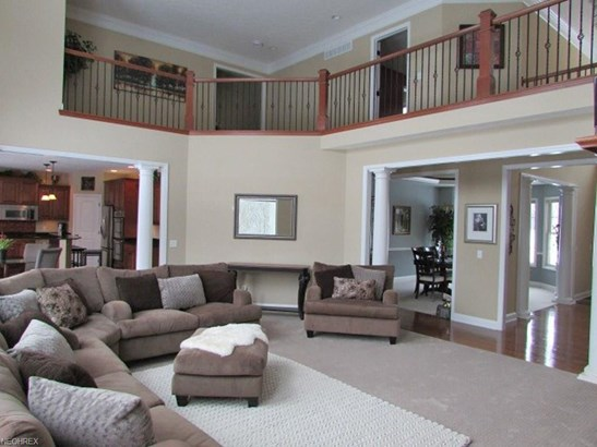 5261 Brookhaven Dr, North Royalton, OH - USA (photo 2)