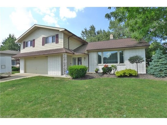 1974 Camberly Dr, Lyndhurst, OH - USA (photo 1)