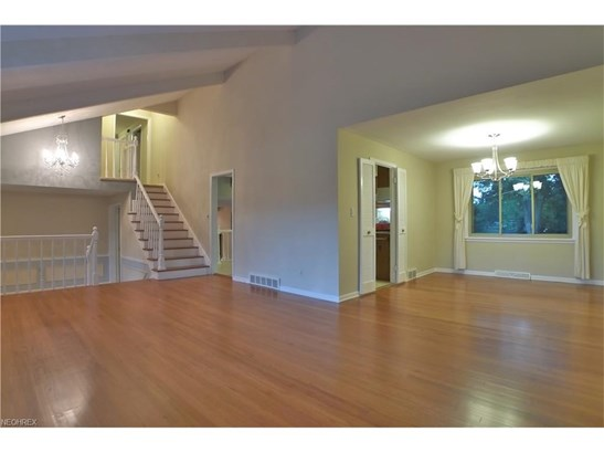 1974 Camberly Dr, Lyndhurst, OH - USA (photo 5)