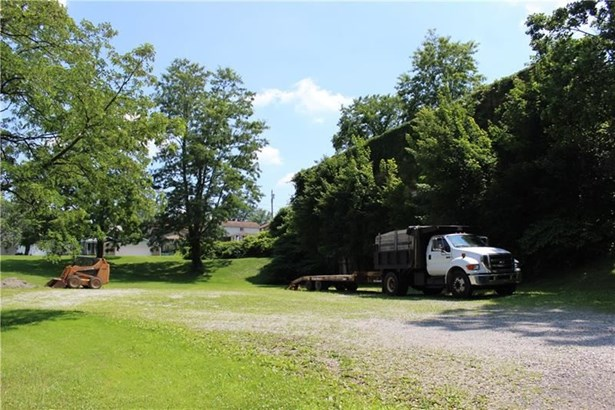 1542 Renton Rd, Plum, PA - USA (photo 3)