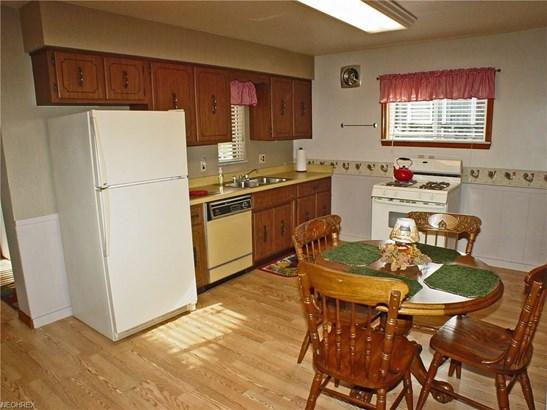 3720 Lindberg Way, Weirton, WV - USA (photo 3)