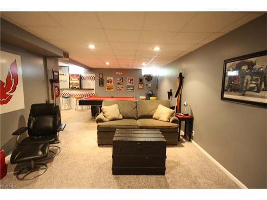 5476 Jacqueline Ln, North Olmsted, OH - USA (photo 4)