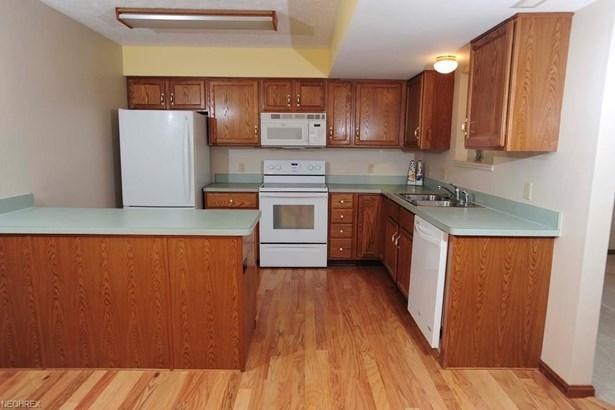 5016 Pine Pt, Stow, OH - USA (photo 3)