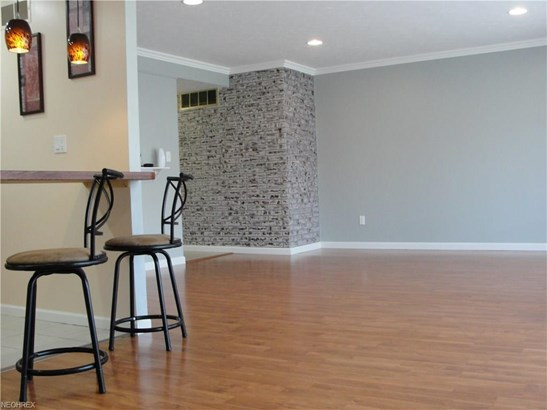 10438 North Church Dr 209, Parma Heights, OH - USA (photo 2)