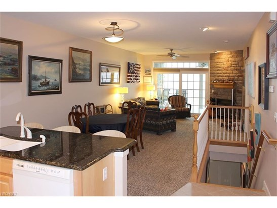 2960 Whispering Shores Dr, Vermilion, OH - USA (photo 3)
