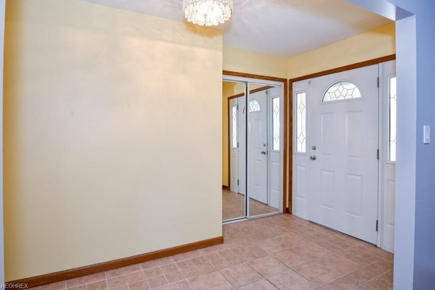 14800 Indian Creek Dr, Middleburg Heights, OH - USA (photo 4)