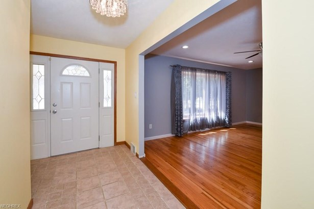 14800 Indian Creek Dr, Middleburg Heights, OH - USA (photo 5)