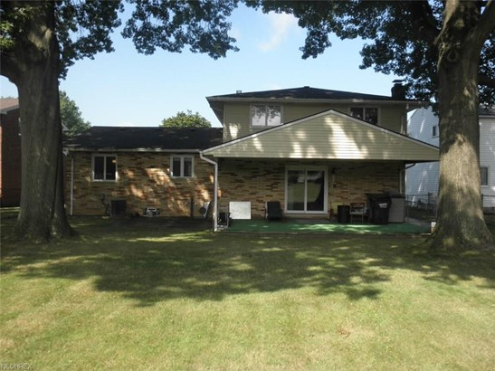 372 Kenyon Ave, Bedford, OH - USA (photo 2)