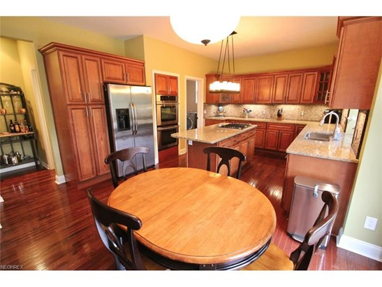 390 Norwich Dr, Broadview Heights, OH - USA (photo 5)