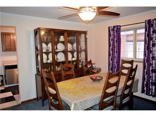 1005 Milton Rd, Castle Shannon, PA - USA (photo 3)