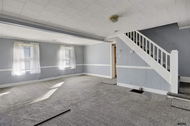 105 Hill St, Mount Holly Springs, PA - USA (photo 4)