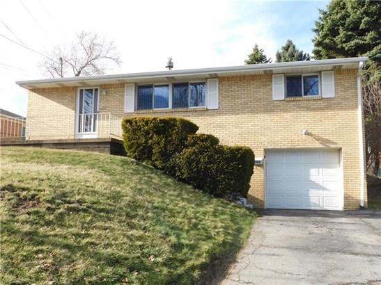 863 Elwell Ave, West Mifflin, PA - USA (photo 1)