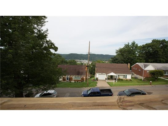 1082 Woodlawn Dr, Coraopolis, PA - USA (photo 4)