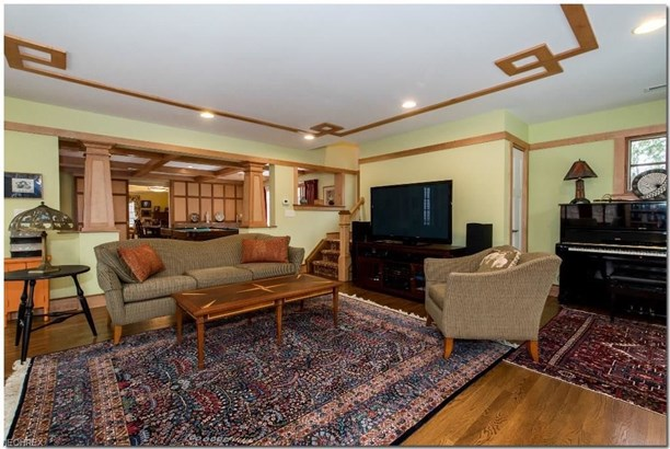 17460 Shelburne Rd, Cleveland Heights, OH - USA (photo 3)