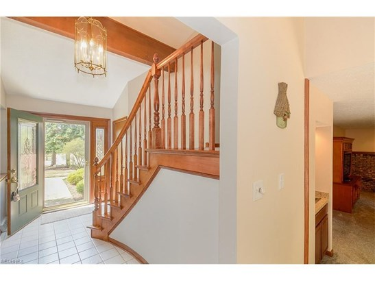 18943 Hunters Pointe Dr, Strongsville, OH - USA (photo 5)